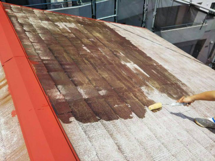 屋根外壁塗装工事港南区港南N様邸屋根塗装下塗り中塗り工程
