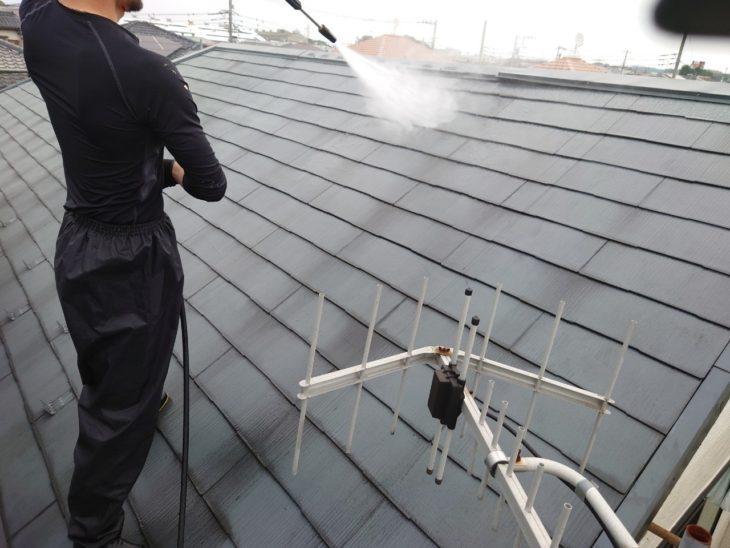 寒川町で屋根外壁塗装工事の高圧洗浄|さむかわ塗装