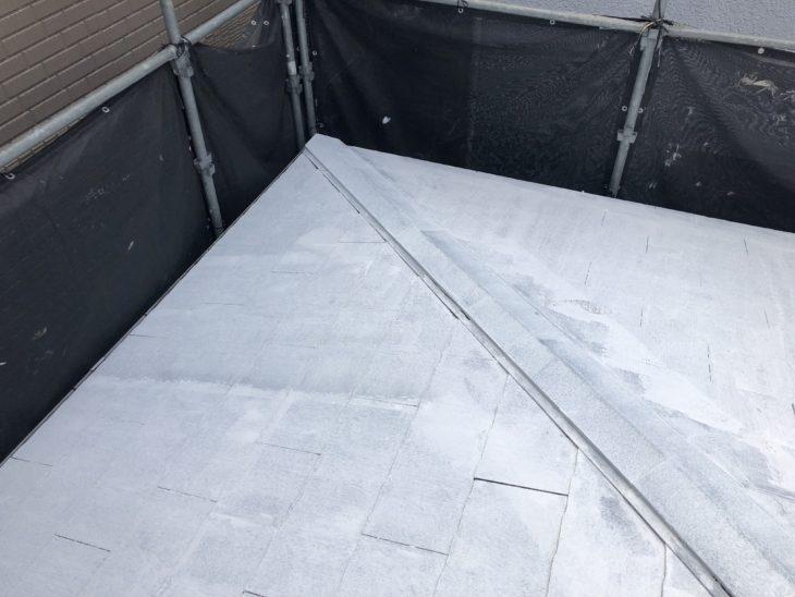 高座郡寒川町大曲で屋根外壁塗装工事の屋根中塗り、上塗り工程 さむかわ塗装