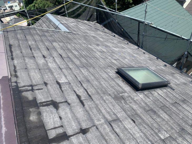 横浜市南区六ツ川で屋根塗装工事 下塗り工程